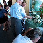 Cake cutting, with commotion